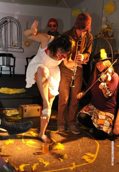 Performing with Amarelo, 2012